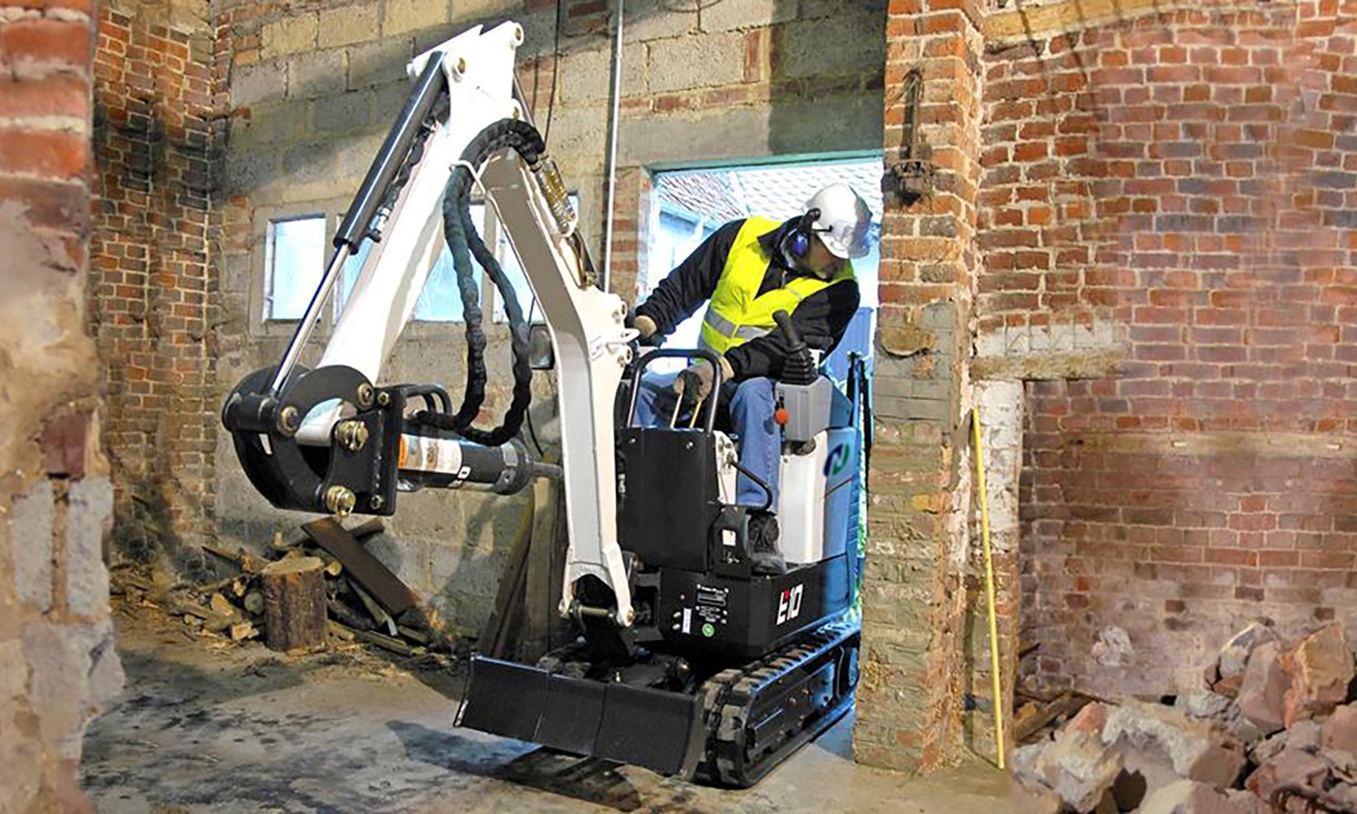 Working Image of e10 micro excavator